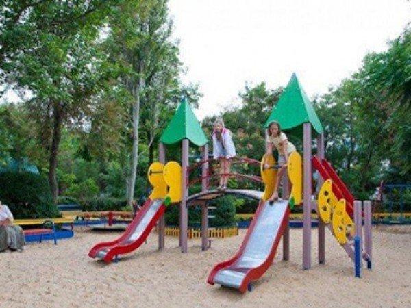 Детская площадка и батут