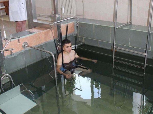 Бассейн для подводного вертикального вытяжения