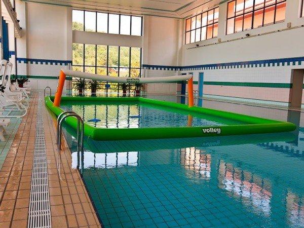 Водная волейбольная площадка