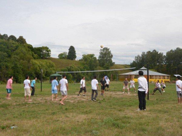 Волейбольная площадка и стритбол