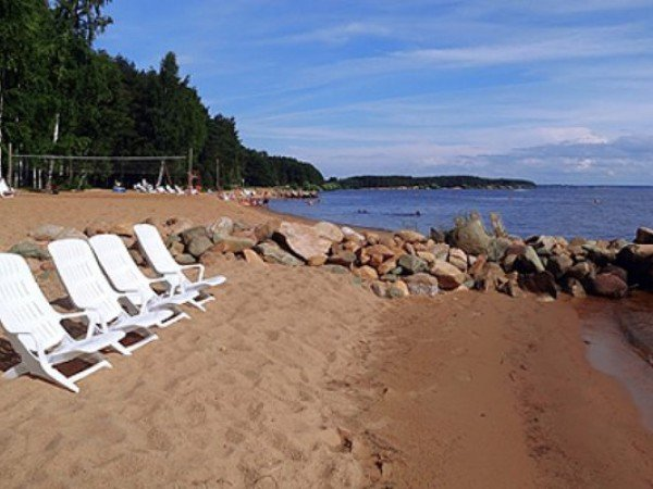 Пляж на водохранилище