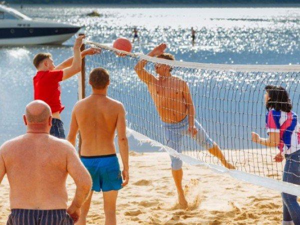 Площадка для пляжного волейбола и бадминтона