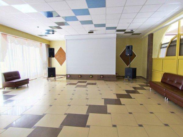 Танцевальная площадка и танцевальный зал