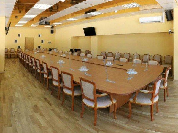 Залы и переговорные комнаты