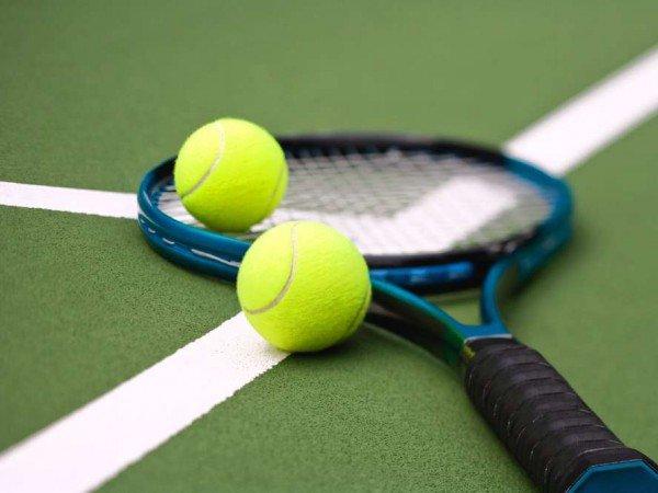 Закрытый теннисный корт