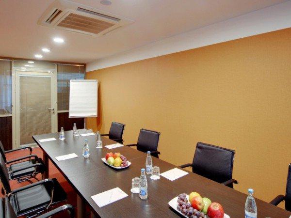 Комната для переговоров «Тилбург»