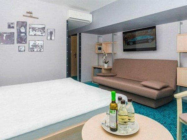 Стандартный улучшенный 2-3-местный с двуспал.кроватью и диваном