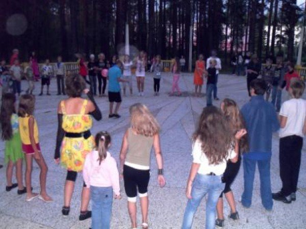 Летняя танцевальная площадка