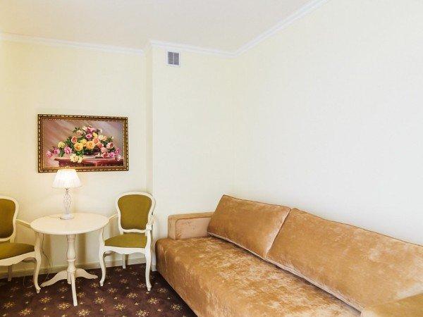 FAMILY STUDIO - семейный со спальней и гостиной