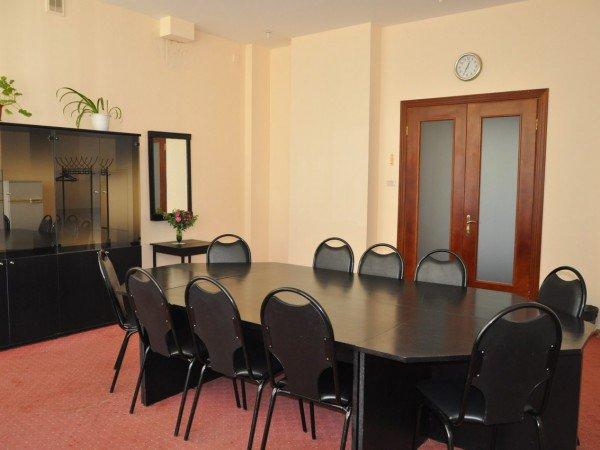 2 переговорные комнаты