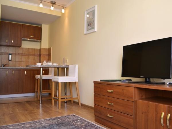 СТУДИЯ+ 2-местный 2-комнатный номер twin/double с кухней (к. № 4)