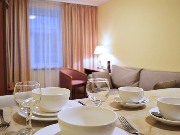 ЛЮКС+ 3-местный 3-комнатный номер twin/dbl с кухней (к. № 5)
