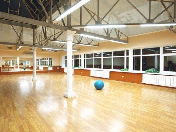 Зал для занятий аэробикой, ритмикой и танцами