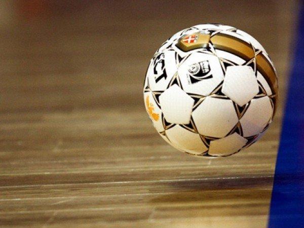 Мини-футбол в зале