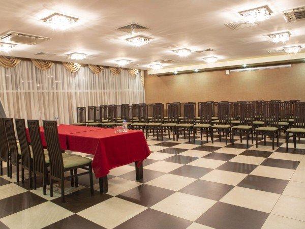 2 банкетных зала на 30 и 60 мест