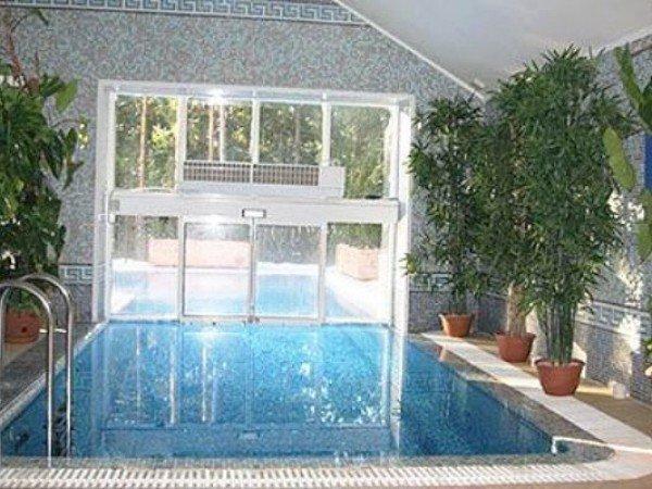 Панорамный подогреваемый бассейн