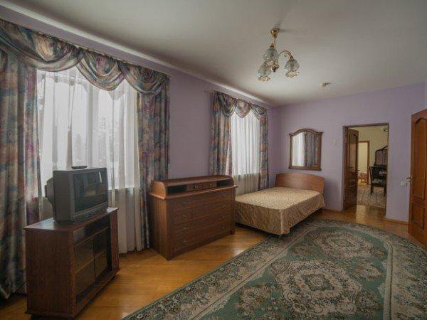 Трехкомнатный номер с большой гостиной