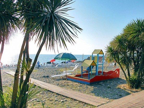 Детская зона на пляже