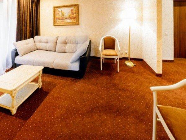 Люкс 2-местный 1-комнатный мансардный в Морском коттедже №150 (5 этаж)