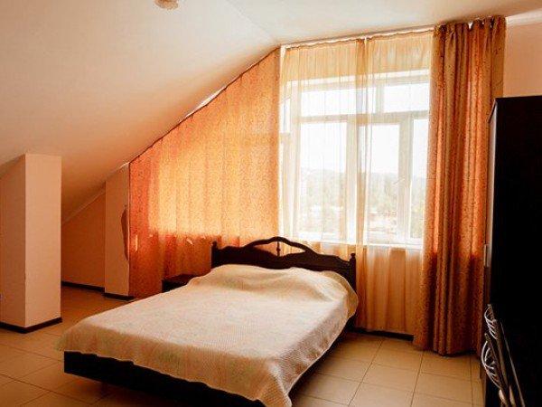 Стандарт 2-местный 1-комнатный в Коттедже с раздельными кроватями, мансардный, доп. место - под расписку
