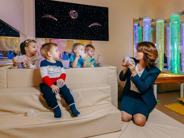 Психотерапия индивидуальная и семейная с использованием нейросенсорной комнаты