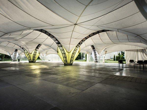 Универсальный шатёр «Парус»