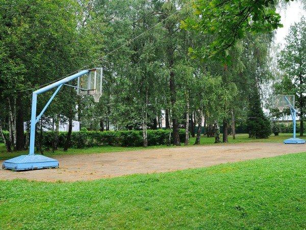 Открытые мини-футбольная, волейбольная и баскетбольная площадки