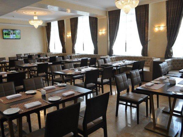 Ресторан «Ribera» с террасой
