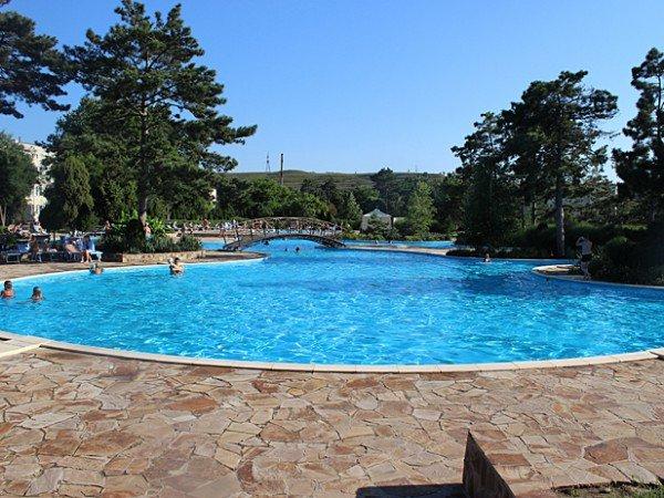 5 открытых бассейнов