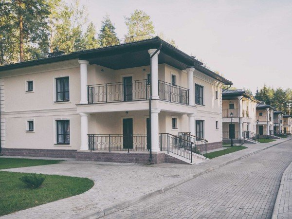 Коттедж с двумя спальнями и кухней