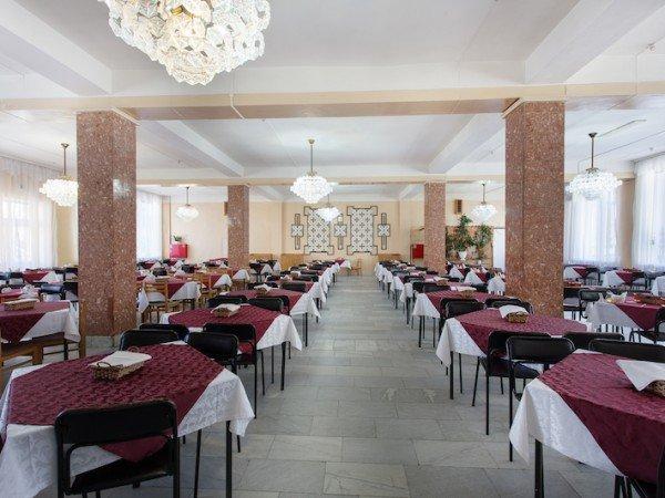 Столовая общий зал