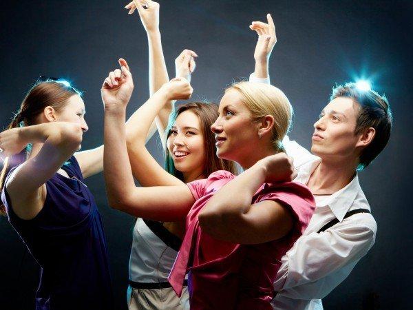Танцы и караоке