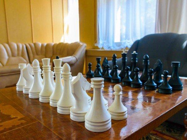 Шахматные холлы