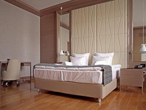 Шестиместный номер с тремя спальнями и зоной гостиной