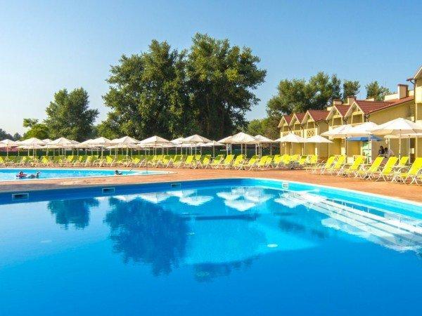 Комплекс открытых бассейнов