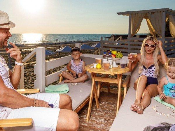 Снек-бар на пляже «Le Paradis»